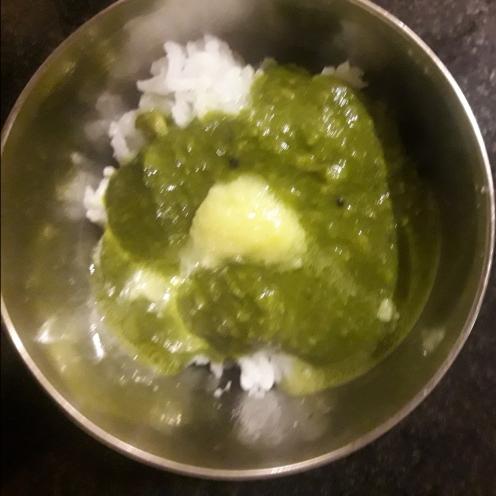 Keerai molagootal (spinach lentil curry)